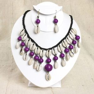 Jewelry - Cowry shell and beads necklace & earrings set